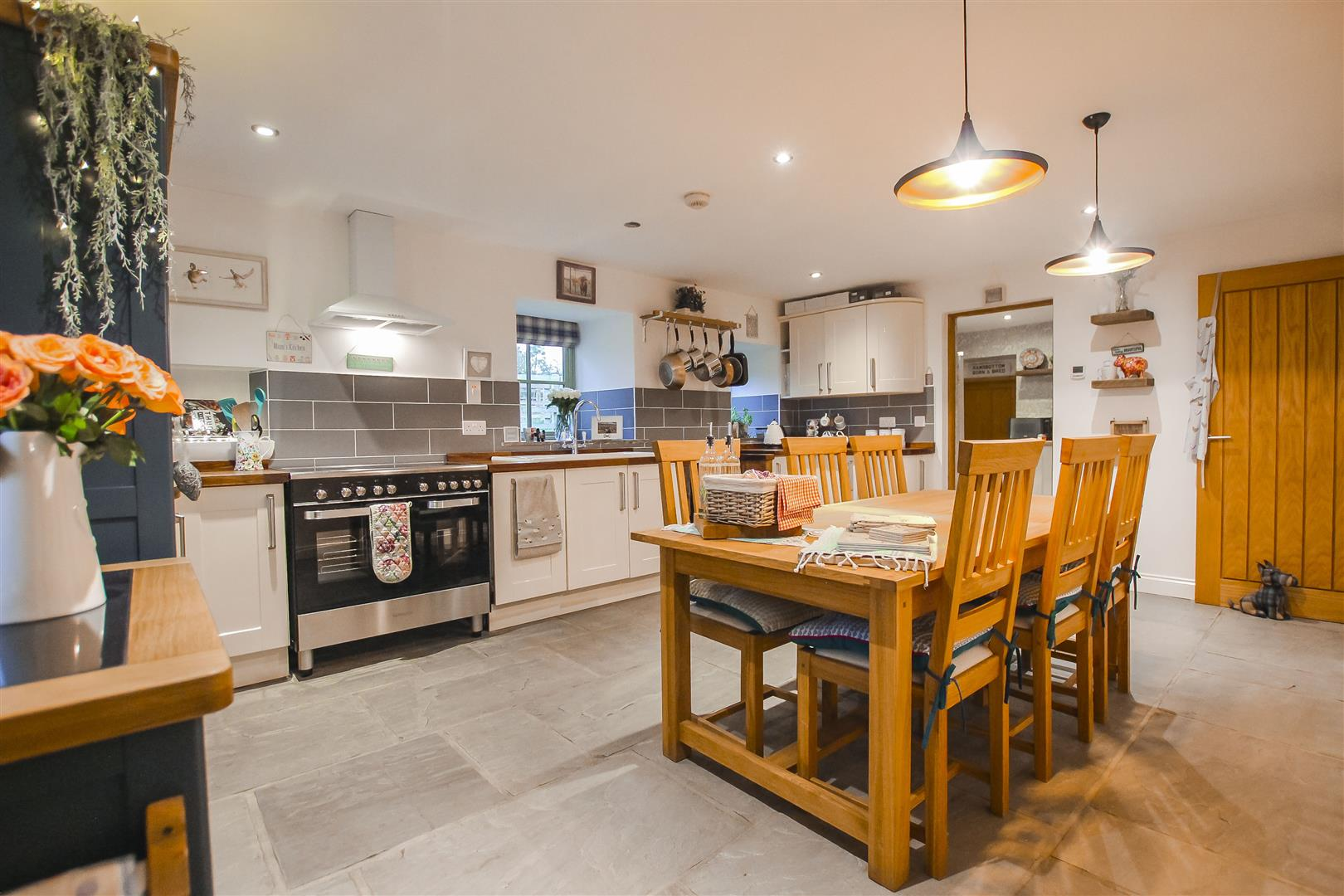 4 Bedroom Barn Conversion For Sale - Kitchen
